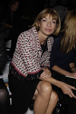 Anna Wintour front row bij FENDI