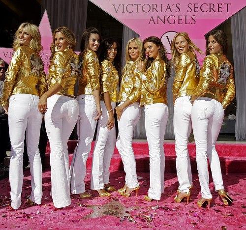 Tyra Banks Victoria S Secret Walk: Elle Blogt